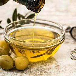 10 benefits of organic cold-pressed oils